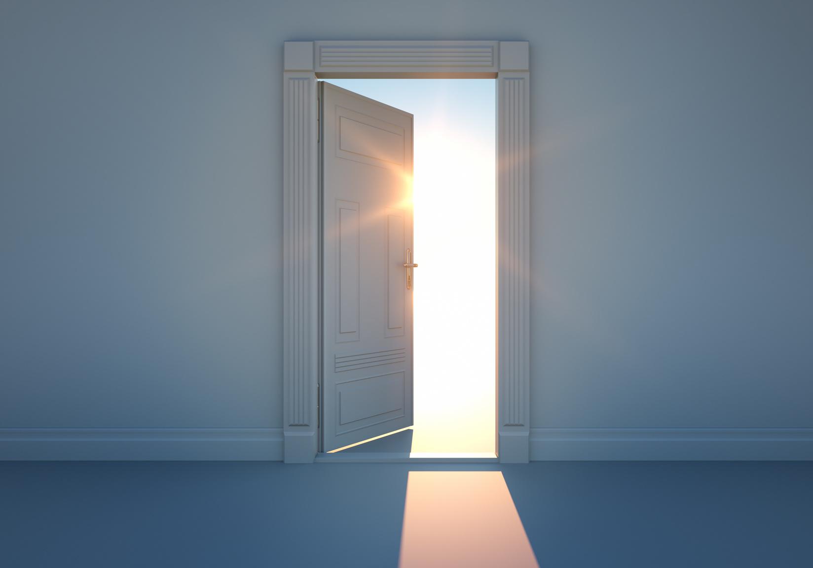 Offene tür  Offene Tür mit Sonnenlicht – Andreas Scholl Online-Akademie